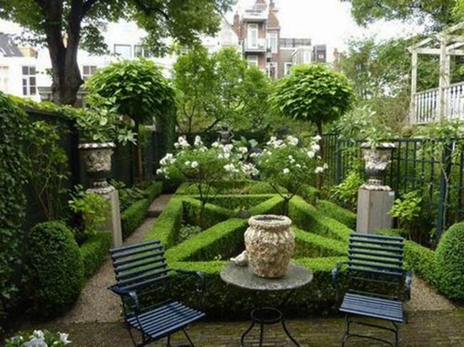 Nếu nhà bạn ở phố thì có thể tham khảo khu vườn này